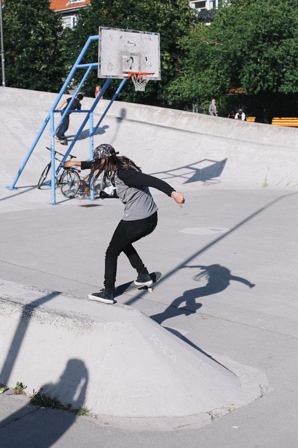 Yeah Girl x Xem Skaters Spot Crawl - Eugenia Ginepro